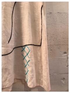 手刺繍スカート